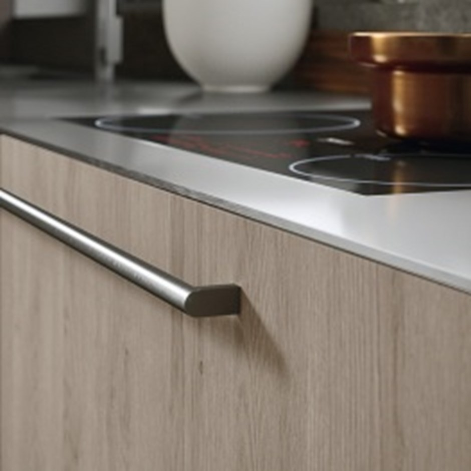 External rod kitchen door handle