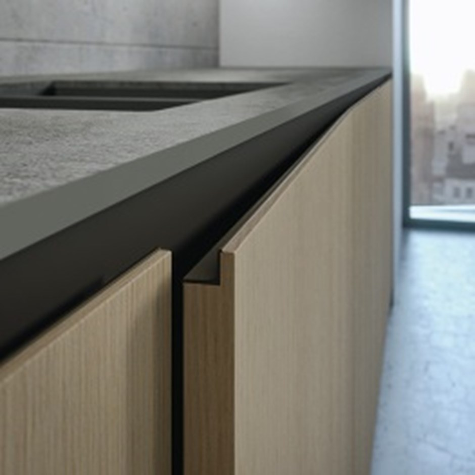step handle kitchen doors